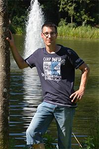 http://wegzuzweit.de/templates/j51_oxygen/images/herren/6283_Daniel.jpg